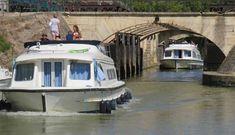 Wie wil cruisen over de binnenwateren van Frankrijk, kan kiezen uit een groot aantal verhuurders van motorjachten. Wij gingen in Zuid-Frankrijk varen met een motorjacht van Le Boat. Zeven dagen cruisen door de Camargue over het Canal du Midi, het Étang de Thau en het Canal du Rhône à Sète. … Groot, Cruises, Camargue, Cruise