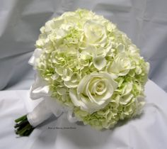 https://flic.kr/p/aGUUgV | Hand-tied bouquet: White Hydrangea & Roses (side view)