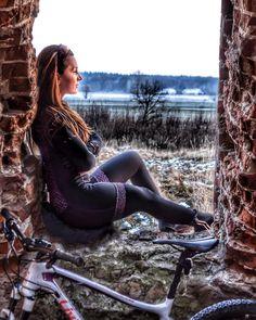 "482 gilla-markeringar, 7 kommentarer - Sylwia Przybylska (strava) (@syla_przybylska) på Instagram: ""#bikersofinstagram #bikeride #bikegirl #bikelife #bikeporn #szosa #garmin #kitfit #bikeporn #bike…"""