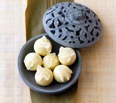 Rezept für den Advent: Ananas-Kokos-Pralinen bei for me