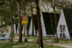 http://condaoresorts.com/wp-content/uploads/2012/02/Con-Dao-Camping-the-bungalows-built-in-the-form-of-tents.png