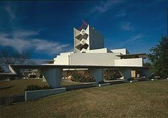 Florida Southern College, Lakeland FL... beautiful Frank Lloyd Wright-designed campus