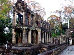 """My three minutes video walking through Prah Khan temple """"the sacred sword temple"""" Siem Reap city Cambodia. To see more what I am reviewing about the temple in detail please check here http://amazingzon.org/neak-pean-temple-video-show"""