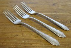 3 Dinner Forks Madelon R Monogram Silverplate Oneida Tudor Plate 1935 Community Gold Flatware, Dinner Fork, Forks, Tudor, Silver Plate, Monogram, Community, Plates, Tableware