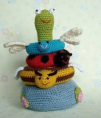2000 Free Amigurumi Patterns: Baby Stack Toy (in German)