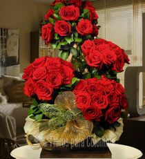 """Baul de Rosas rojas """"Inmenso amor"""": http://www.floresparacolombia.com/producto_info.php?products_id=300&inicio=116"""