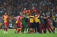 Lions of Galatasaray crowned champions after dominant victory