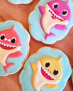 baby shark cookies Source by Shark Birthday Cakes, Boy Birthday Parties, Birthday Ideas, Baby Shark Song, Baby Shark Doo Doo, Twin First Birthday, Baby Birthday, Shark Cookies, Pool Cake