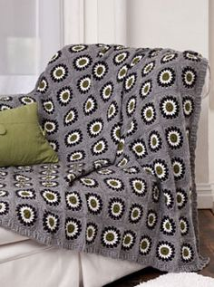 Urban Granny throw w/ free pattern.  Love this modern take on granny squares (even tho I think traditional granny squares are kinda cool, too)