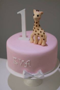 Sophie the Giraffe birthday cake