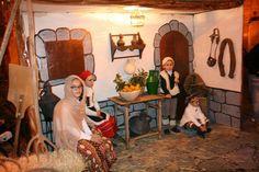 Romanos a la salida del castillo. FOTO: MONTES      Los niños, los grandes protagonistas. FOTO: MONTES            Una de las escenas vivid...