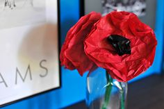 How to Make Red Paper Poppies Old Quilts, Easy Quilts, How To Make Red, Make Your Own Wine, Anzac Day, Led Christmas Lights, Lighted Wine Bottles, Red Paper, Veterans Day