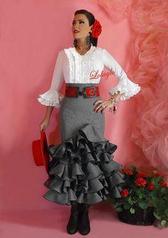 spanish style homes arizona Flamenco Costume, Flamenco Dancers, Spanish Dress, Spanish Style, Spanish Party, Flamingo Dress, Spanish Fashion, Mexican Dresses, African Print Dresses