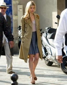 clémence poesy sur le tournage de la saison 4 de gossip girl à paris