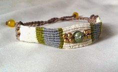 Ecocrafta Macrame : Vertical half hitch bracelet