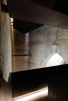 'Torre di Porta Nuova - Arsenale di Venezia'. By MAP STUDIO