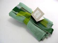 Montaje foulard hilo liso surtido en colores y abanico.