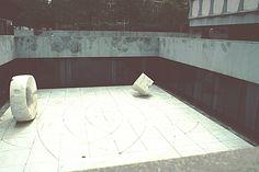 isamu noguchi: sunken garden, beinecke rare book library, yale university
