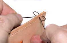 Hottest Snap Shots handstich hand sewing Concepts How to hand-sew leather using double stitch - really simple & clear tutorial Leather Embroidery, Stitching Leather, Leather Tooling, Leather Purses, How To Stitch Leather, Leather Scraps, Leather Bags, Leather Jewelry, Leather Bag Pattern