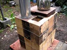 "The 16 Brick Rocket Stove - Quick second"" Build - Easy DIY - simple Instructions Rocket Stove Design, Diy Rocket Stove, Build A Rocket, Rocket Mass Heater, Rocket Stoves, Diy Heater, Stove Heater, Stove Oven, Grill Oven"