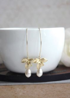♥´¨)  ¸.•´ ¸.•*´¨)  (¸.•´ ♥ ~ Pretty matte gold plated over brass orchid flower charms which hangs on long gold plated over brass large marquise