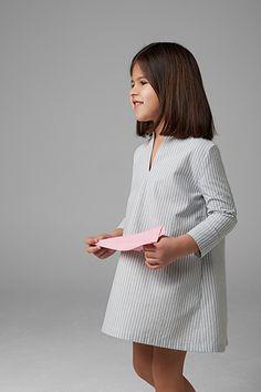 SS|17 Collection Minimal kids wear Vestido manga larga con cuello pico