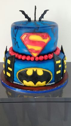 Batmen vs supermen cake Joker, Birthday Cake, Desserts, Food, Tailgate Desserts, Deserts, Birthday Cakes, Essen, The Joker