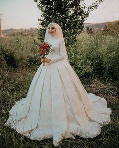 Likes, 41 Comments – Semra Akçay – Sanatpare (@ on Instagra … – Best Of Likes Share Muslim Wedding Gown, Hijabi Wedding, Muslimah Wedding Dress, Muslim Wedding Dresses, Muslim Brides, White Wedding Dresses, Wedding Gowns, Bridal Hijab, Bridal Gowns