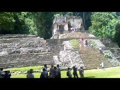 Muestra las tumbas de algunos dioses mayas.