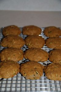 Toddler (and husband) approved! Getting kids to eat veggies: Sugar-free Pumpkin Zucchini Cookies {Recipe} - sweetened with Honey! Zucchini Cookie Recipes, Zucchini Cookies, Pumpkin Recipes, Fall Recipes, Baby Food Recipes, Dessert Recipes, Cooking Recipes, Flour Recipes, Healthy Desserts