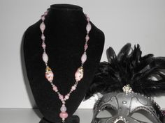 Pink lady...glaskralen en porseleinen kraaltjes in prachtig zacht roze.