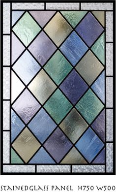 ご新居のリビングドアにご依頼いただきましたステンドグラスパネルです。伝統的なパターンで重厚感があります。どうもありがとうございました。 #169 埼玉県