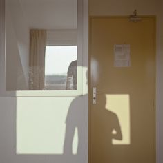 soft light and colors like uta barth, but a grid starts to develop on several levels, and the doubling upon doubling with shadows and mirror. Uta Barth, Ombres Portées, Shadow Silhouette, Light In The Dark, Soft Light, Mellow Yellow, Light And Shadow, Art Photography, In This Moment