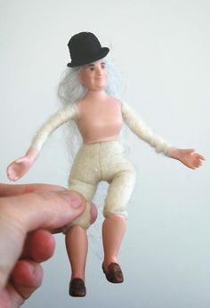 Tarun nuket - Miniature dolls by Taru Astikainen Porcelain Doll, Miniature Dolls, Miniatures, Mini Things, Mockup