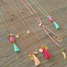 Inspiration Sautoir * Makes me want to make tasseled jewelry again. Tassel Jewelry, Beaded Jewelry, Jewelery, Handmade Jewelry, Ethnic Jewelry, Beaded Bracelet, Diy Necklace, Tassel Necklace, Chain Necklaces