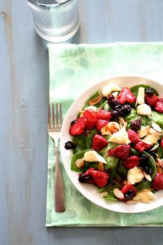 Roasted Berry & Brie Salad by thecurvycarrot #Salad #Berry #Brie #thecurvycarrot
