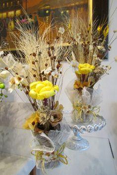 Duo de arranjo de flores secas na tela I