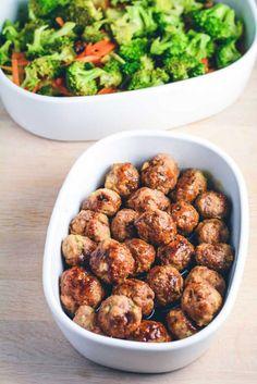 Teriyaki chicken meatballs with fried vegetables - Meatballs, easy everyday food. Healthy dinner with chicken and vegetables. Greek Recipes, Asian Recipes, Healthy Recipes, Clean Eating Snacks, Healthy Eating, Healthy Food, Fodmap, Recipes From Heaven, Brunch