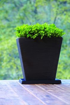 Universal Round Saucers Plastic Resin Planters And Garden Planters