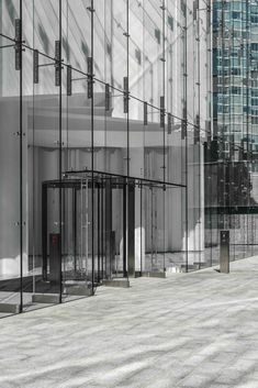 Three Alliance Center | W&W Glass, LLC Curtain Wall Detail, Glass Curtain Wall, Architecture Details, Interior Architecture, Interactive Architecture, Office Entrance, Front Elevation Designs, Revolving Door, Porte Cochere