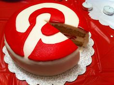 http://pinterestbutton.biz How to be Awesome on Pinterest? Cake with fondant icing decorated by Pinterest logo. Perfect