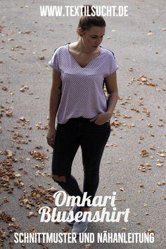Omkari ist eine locker geschnittenes, Blusenshirt mit angeschnittenen Ärmeln und V-Ausschnitt in den Größen 32-50. Diy And Crafts, Jumpsuit, V Neck, Shirts, Sewing, Sexy, Outfits, Fashion, Fashion Styles