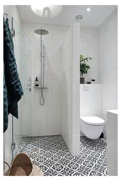 Wet Room Bathroom, Bathroom Layout, Bathroom Storage, Bathroom Interior, Bath Room, Bathroom Organization, Bathroom Mirrors, Bathroom Cabinets, Remodled Bathrooms