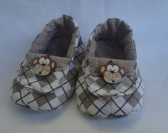 Mocassim Doll Crafts, Sewing Crafts, Baby Shawer, Ideas Hogar, Doll Shoes, Baby Design, Baby Booties, Future Baby, Kids And Parenting