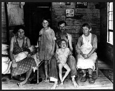 Bud Fields and his family. Alabama 1935