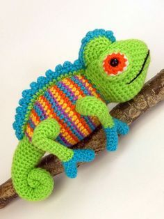 Camelia the Chameleon - amigurumi crochet pattern by Moji-Moji Design
