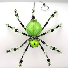 Octavious Wire Spider Sculpture Sterling Fantasy by OzmayDesigns Wire Spider, Spider Art, Spider Crafts, Beaded Crafts, Beaded Ornaments, Wire Crafts, Jewelry Crafts, Christmas Spider, Bijoux Fil Aluminium