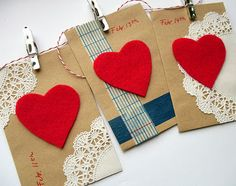 Brown Paper Valentine Love Notes Garland from bugsandfishes.blogspot