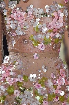Anatomy of a dress: Valentin Yudashkin Spring 2015 Couture Embellishment, Couture Embroidery, Embroidery Fashion, Embroidery Dress, Beaded Embroidery, Hand Embroidery, Embroidery Designs, Embellishments, Floral Embroidery
