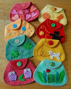 Little felt hand-stitched coin purses More - Sale! Shop at Stylizio for womens and mens designer handbags luxury sunglasses watches jewelry purses wallets clothes underwear more! Felt Diy, Felt Crafts, Fabric Crafts, Sewing Crafts, Craft Projects, Sewing Projects, Projects To Try, Dora, Felt Purse